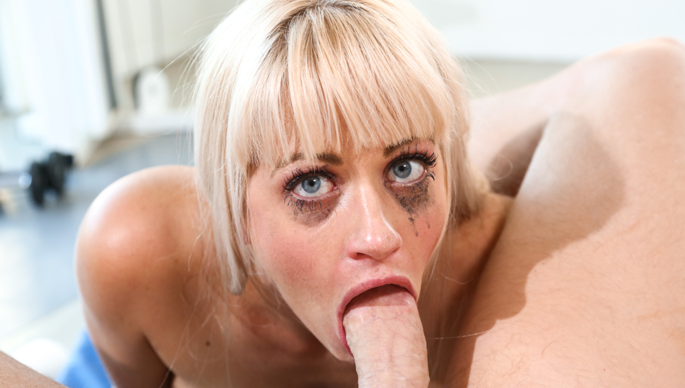 Holly Heart - Holly Wants To Deepthroat Me!