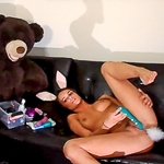 Teal Conrad makes a homemade masturbates video on the sofa!