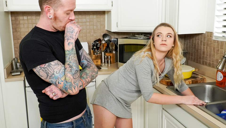 Help Me – Johnny Goodluck,Ashley Manson
