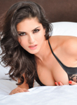 0 Babe Movies - Sunny Leone strips out of her sensual black lingerie outfit!