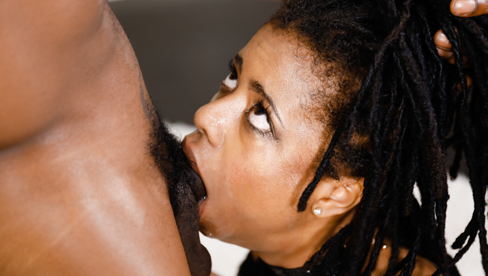 Ebony Throat Vs Monster Cock – Kira Noir