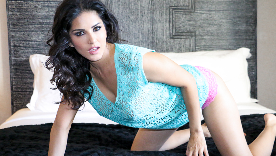 Aqua See Through-Sunny Leone